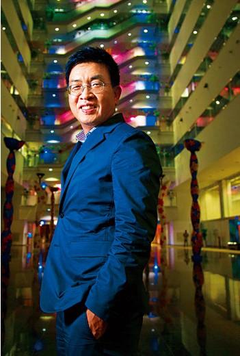 為對抗就業歧視,鄭恩頌(圖)創辦EverYoung,證明銀髮族員工也能有國際競爭力。(攝影者.郭涵羚)